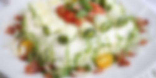 Glutenfri smörgåstårta med kyckling & bacon