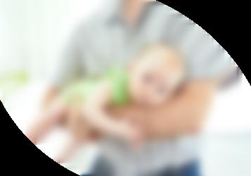 Bebé con dolor de barriga