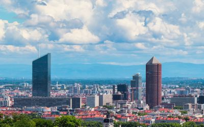 Discover the city of Lyon by chauffeured car rental