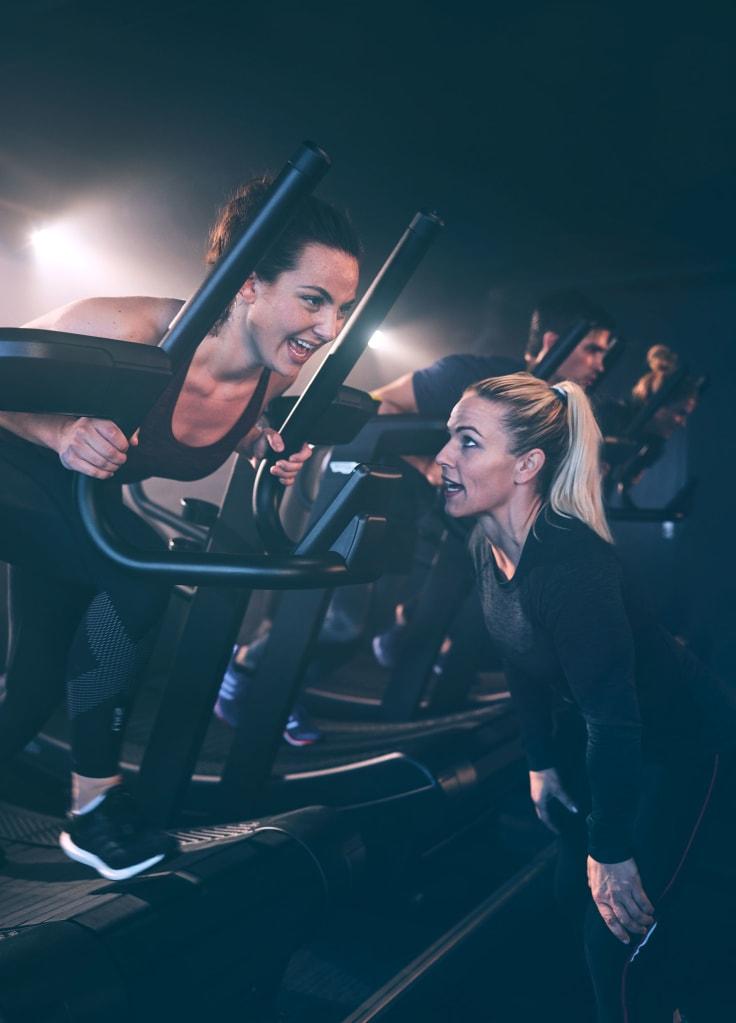Kiirehdi hitaasti ja lisää treenin tehoa vähitellen.