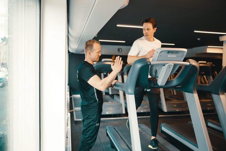 Tren med PT og bli en bedre løper