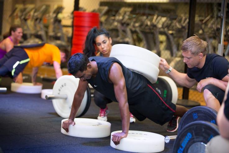 Følg et treningsprogram, styrketrening