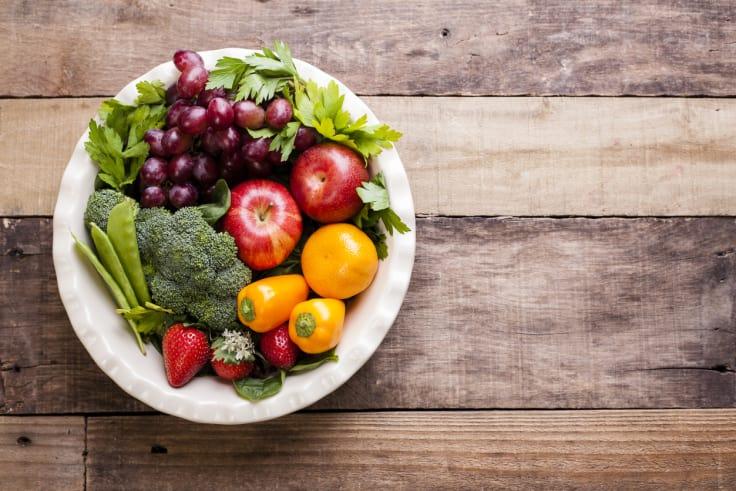 Minimer inntaket av tomme kalorier og fyll på med frukt og grønt