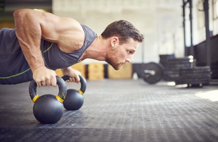 Det krever tid og tålmodighet å få mindre kroppsfett og mer synlige muskler