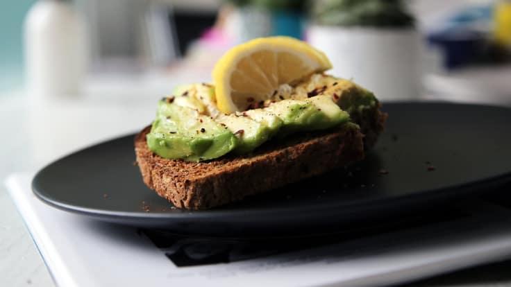 nyttiga pålägg, avokado, nyttiga fetter, nyttiga macka