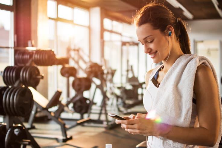 Hög och peppande musik kan hjälpa dig genom ett tufft träningspass