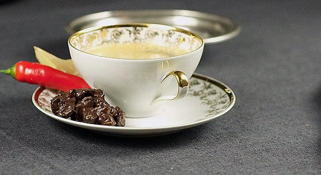 Suklaa-chilipähkinäsuukot
