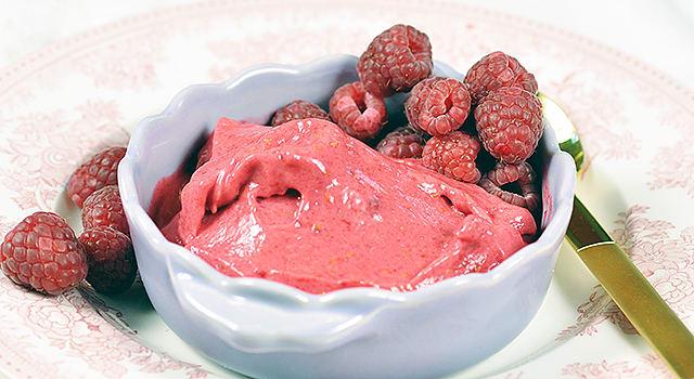 Hindbær- og limeis