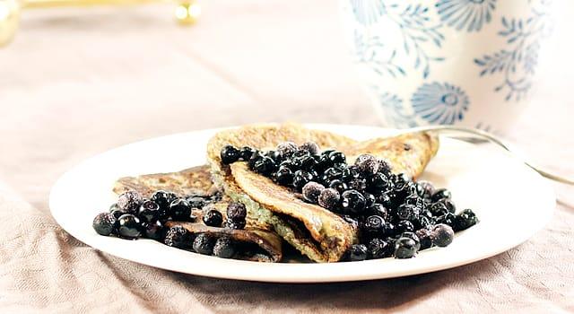Mandel- og blåbærklatter
