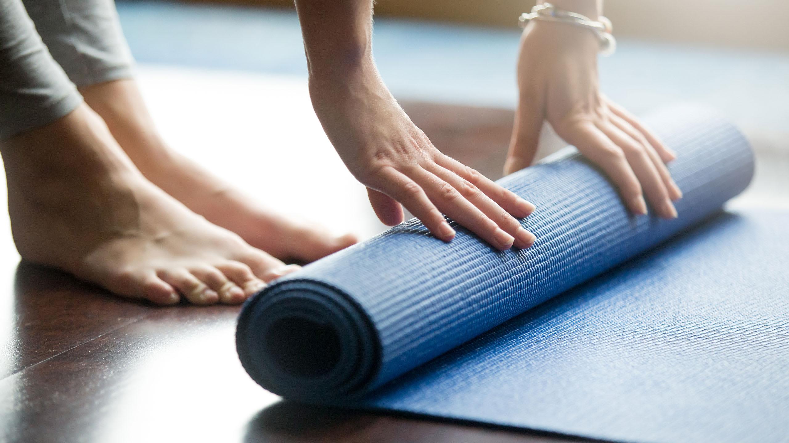 8 grunner til å praktisere yoga