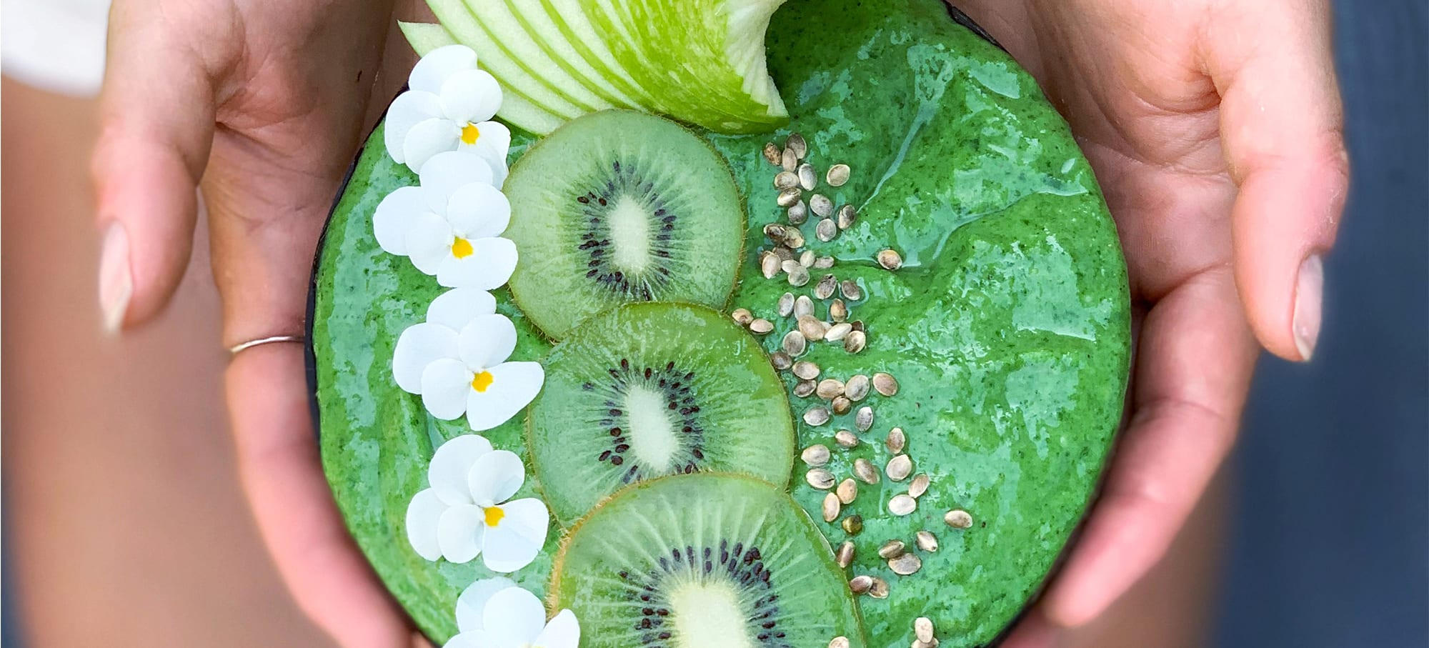 Green life smoothie bowl