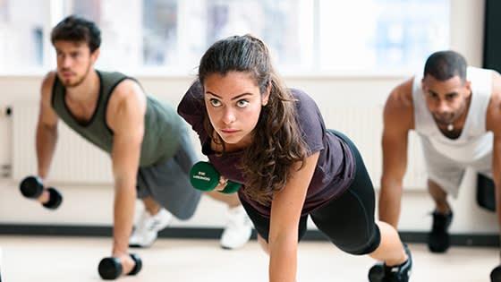 Gruppträningspasset som gör dig stark från grunden - SHAPE!