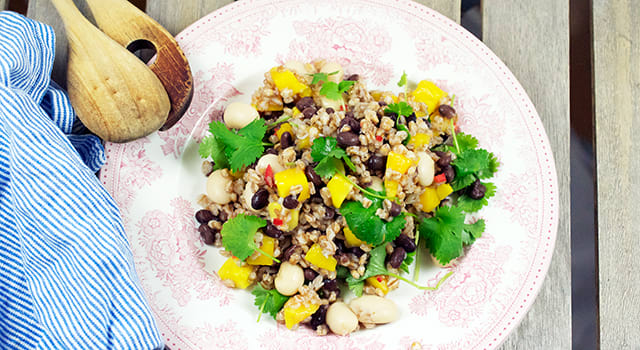 Bön- och mangosallad
