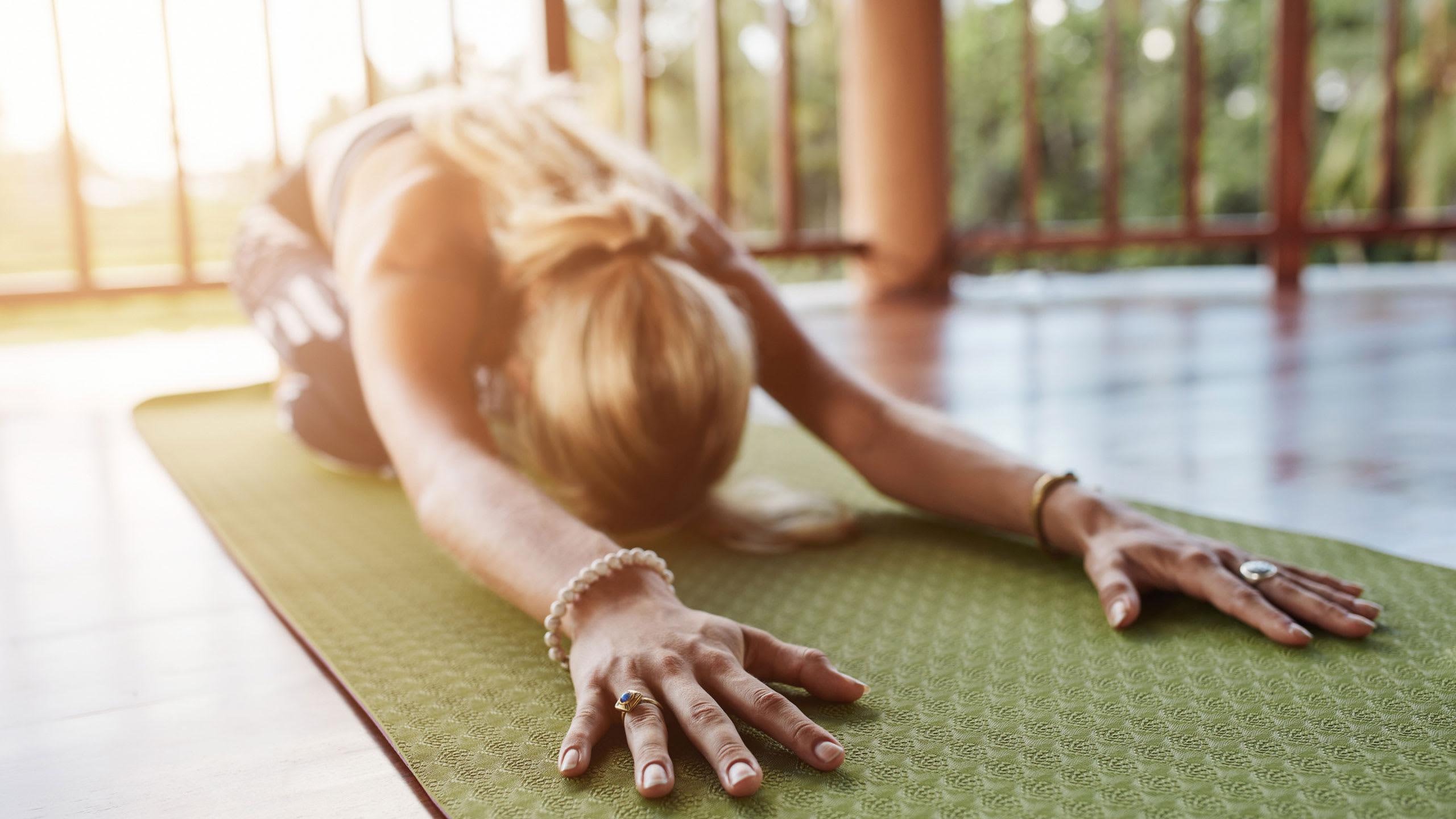 Få bättre sömn med yoga