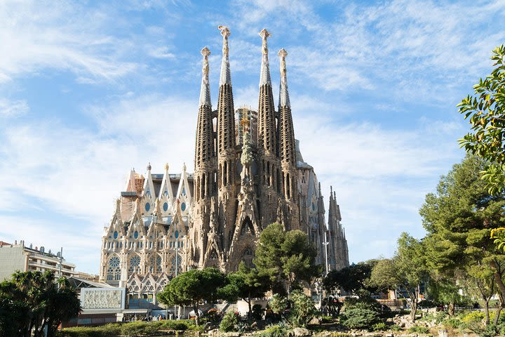 Barcelona Shore Excursion: Early Access to Sagrada Familia image