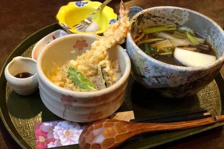 Tokyo Online: Top 5 Japanese Foods image