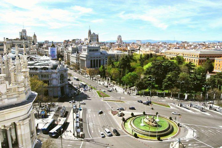 Combo: Tour al Palacio Cibeles y Parque del Retiro + Visita guiada al Prado image