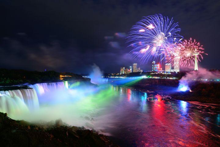 Scenic Niagara Falls Night Tour with Boat Ride - Canada image