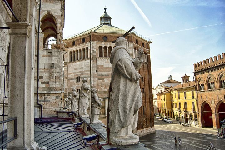 Cremona Private Walking Tour with a Local Guide image