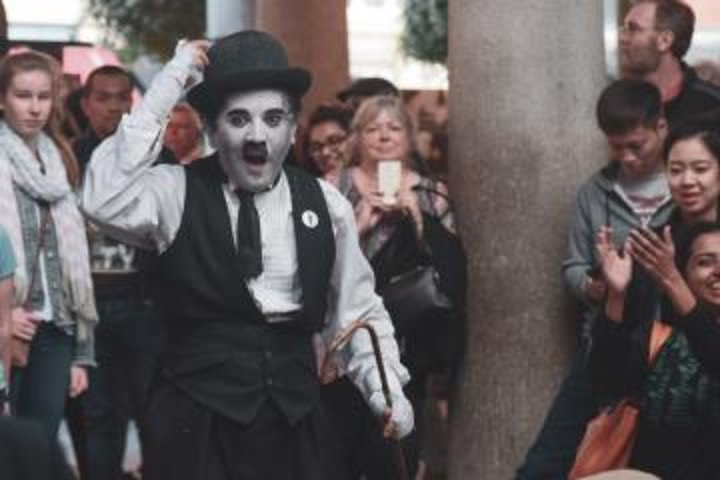 Private Walking Tour of Covent Garden: Magicians, Street Performers and Theatreland image