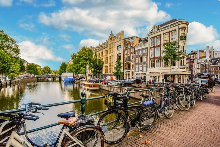 Amsterdam West Specialty Coffee Spots: an Audio Cycling Tour image
