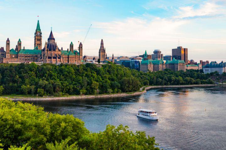 Scenic Night Tour of Ottawa image