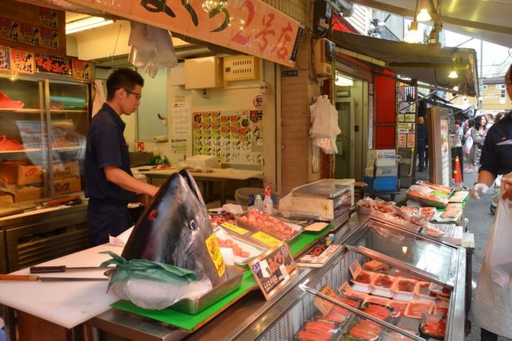 Classic Tsukiji Food Tour image