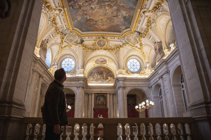 VIP Best of Madrid Walking Tour with Early Entry Royal Palace Tickets & Tapas Tasting image