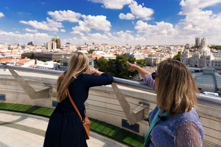 Madrid in a Day: Early Entry Royal Palace Tickets, Monumental City Stroll and Prado Art Museum image