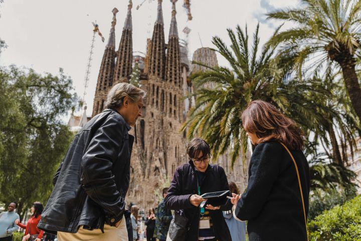 Skip the Line Express Sagrada Família Tour & Tickets image