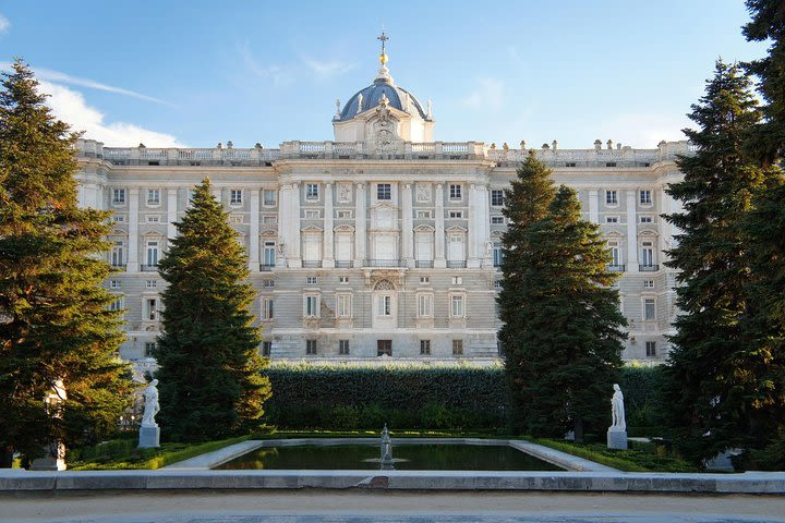 Madrid Royal Palace Private Tour with Skip-the-line Ticket image