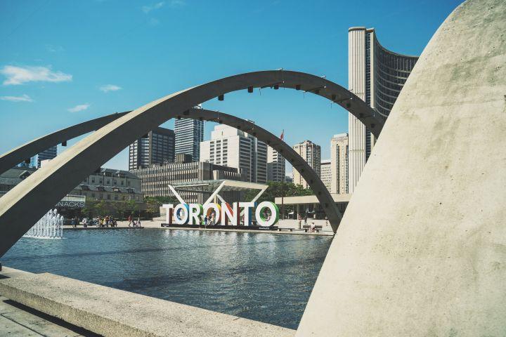 Best of Downtown Toronto Walking Tour image