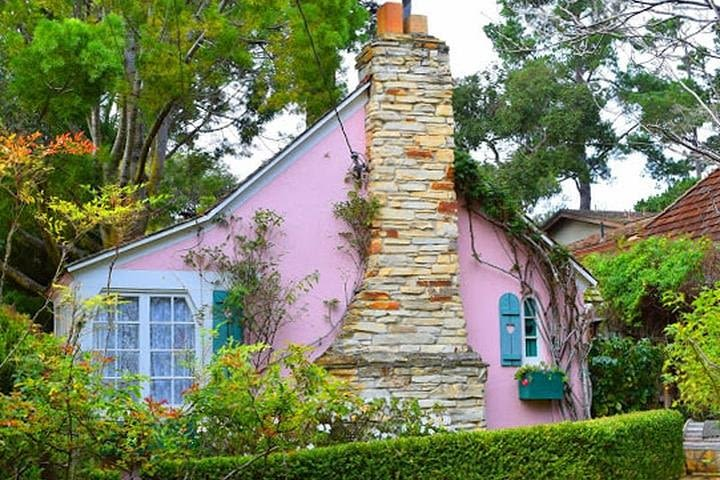 Carmel-by-the-Sea's Fairytale Houses: A Self-guided Audio Tour image