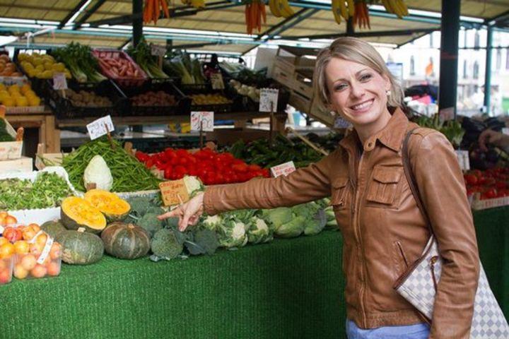 Venice Food Tour: Rialto Market, Cannaregio, Gondola, Food & Wine image