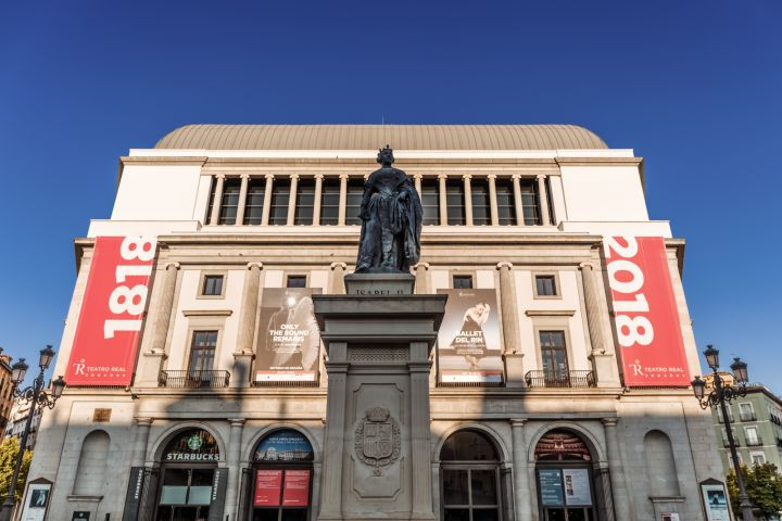 Monumental Madrid City Tour with Skip the Line Prado Museum Tickets image