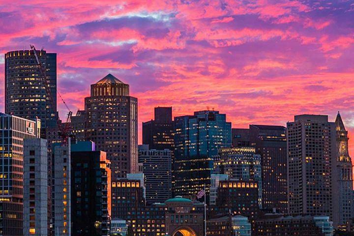 90-Minute Boston Harbor Sunset Sightseeing Cruise image