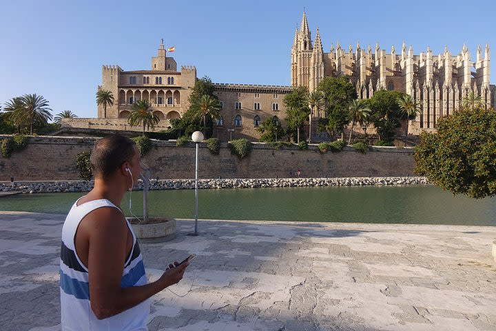 Palaces and Patios: Discover Palma's alternative history on a walking audio tour image