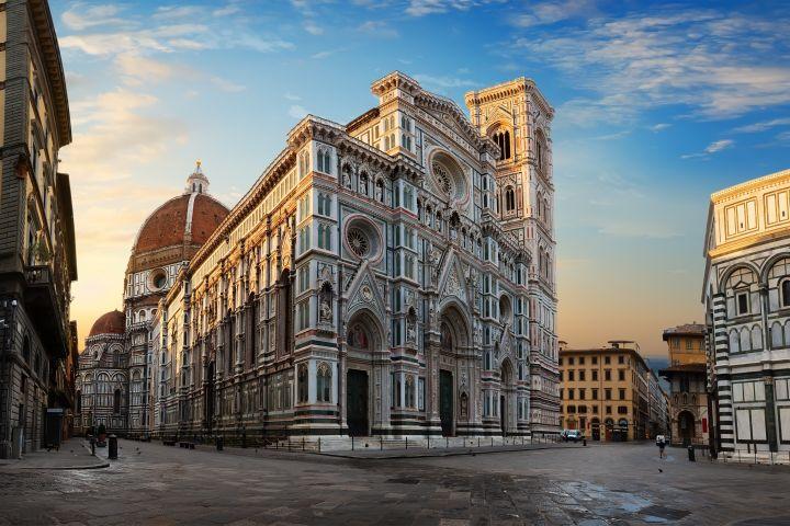 Private City Stroll through Florence - the Duomo Square & Ponte Vecchio image