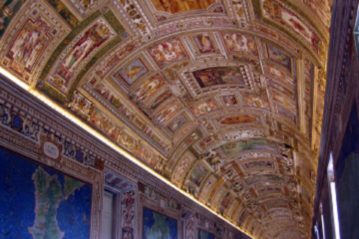 Early Bird & Group Tour: Secrets of the Vatican Museums, Sistine Chapel and St Peter's image