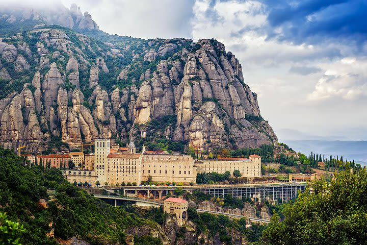 Combo Barcelona in two days: Montserrat & Park Guell and Sagrada Familia image