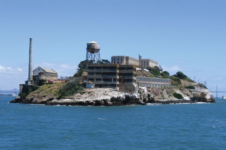 2-Day Hop-On Hop-Off & Alcatraz Package image
