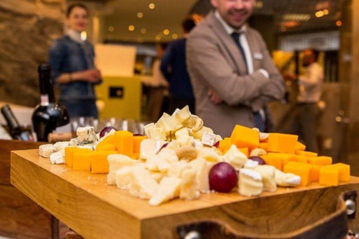 Sarlat Market & Gourmet Food Tour (shared) image