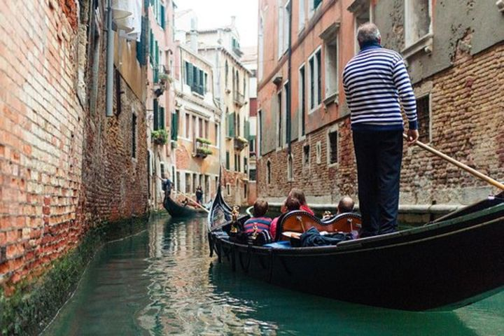 Welcome to Venice Small Group Walking Tour with Basilica San Marco and Gondola Ride image