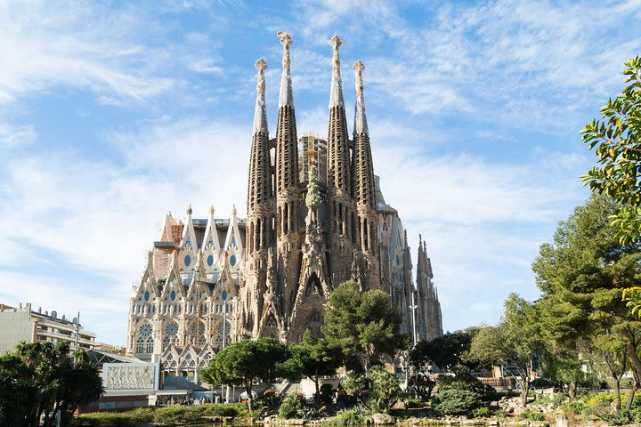 Morning Access to Sagrada Familia with Optional Tower Access image