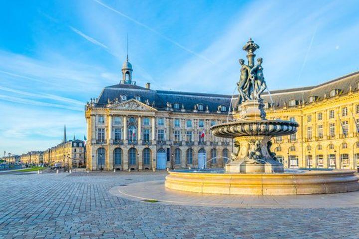 Architectural Splendors of Bordeaux Guided Walking Tour image