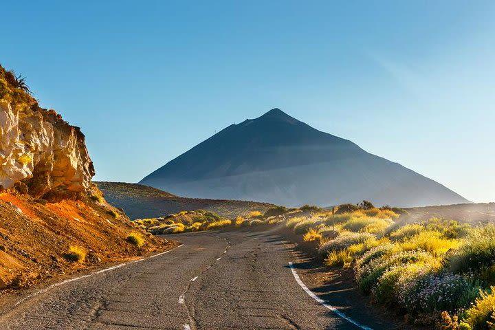 Tour en grupo reducido al Volcan del Teide, Garachico, Masca y Los Gigantes image