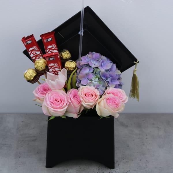 Congrats Grad Convocation Flower Box