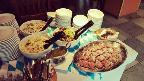 Lunchowa góra jedzenia