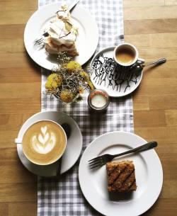 Kawa pod Jabłonią