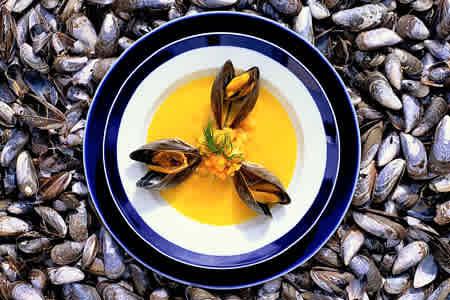 Musselsoppa med rotfrukter (förrätt)
